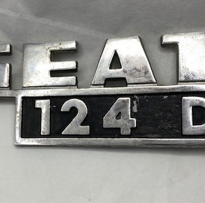 CA124611-ANAGRAMA-TRASERO-SEAT-124D
